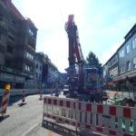 Bagger in der Baustelle Bahnstraße im September
